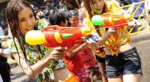 Songkran-festival i Thailand - Thaimassage gruppen