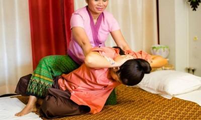 thaimassage mariestad thaimassage brommaplan